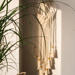 Boheemi seinävaate renkaassa